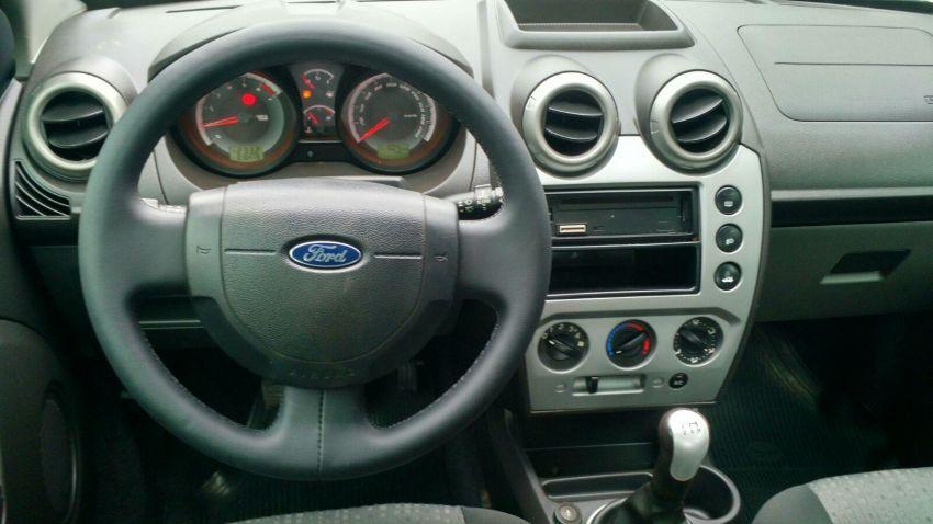 Ford Fiesta   Sed. 1.6 8V Flex 4p - Foto #3