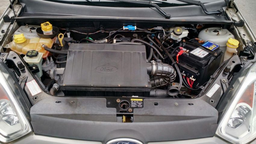 Ford Fiesta   Sed. 1.6 8V Flex 4p - Foto #4
