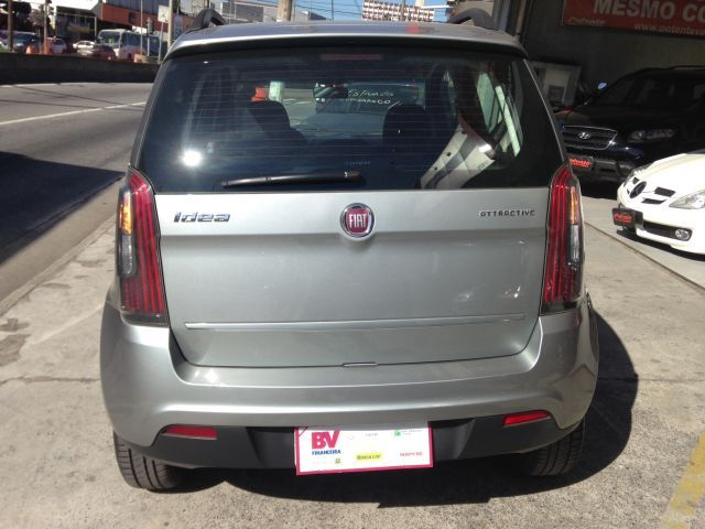 Fiat Idea Attractive 1.4 8V Flex - Foto #9