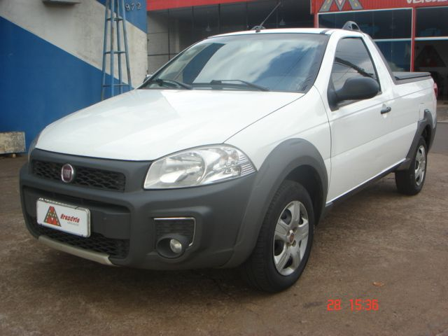 Fiat Strada Working 1.4 (Flex) - Foto #1