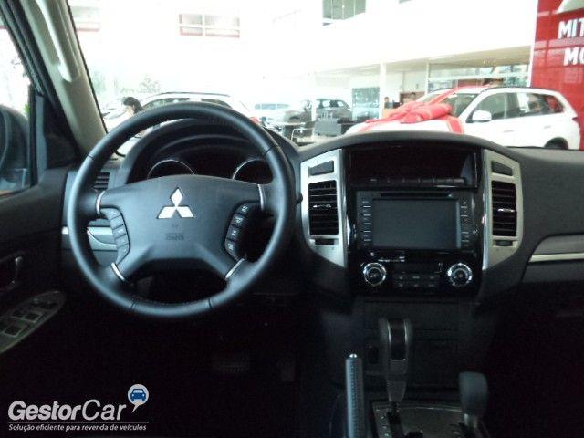 Mitsubishi Pajero 3.2 DI-D Full 5D HPE 4WD - Foto #6