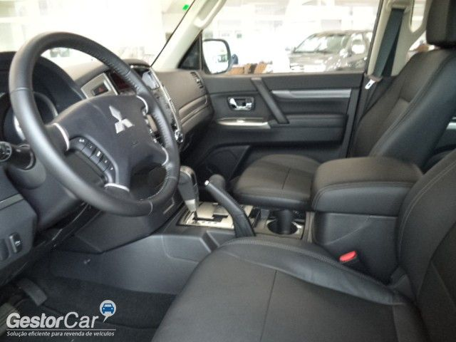 Mitsubishi Pajero 3.2 DI-D Full 5D HPE 4WD - Foto #7