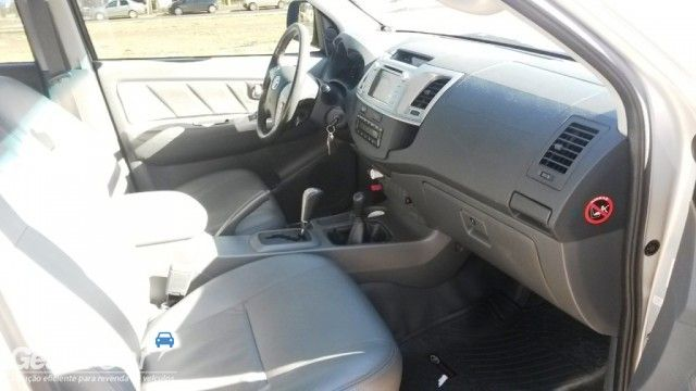 Toyota Hilux 3.0 TDI 4x4 CD SRV Top Auto - Foto #10