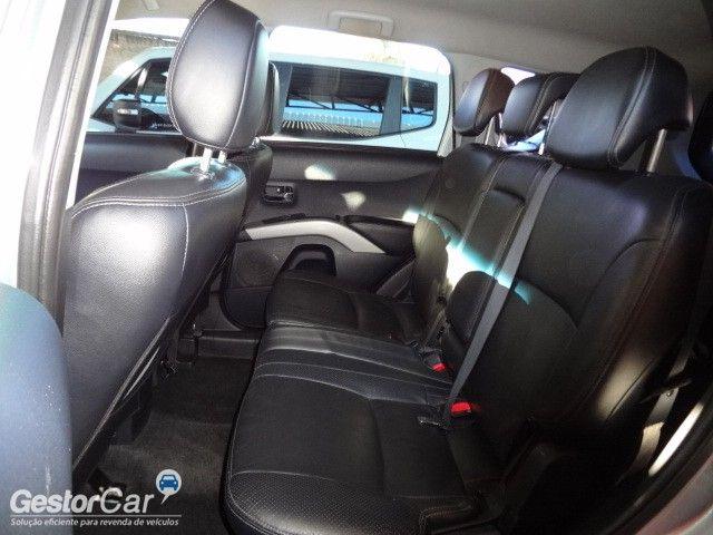 Mitsubishi Outlander 3.0 V6 - Foto #9