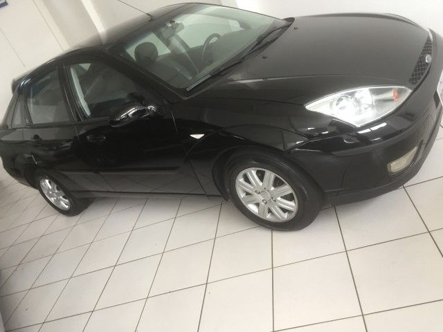 Ford Focus Sedan Ghia 2.0 16V (Aut) - Foto #1