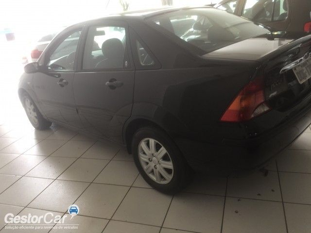 Ford Focus Sedan Ghia 2.0 16V (Aut) - Foto #3
