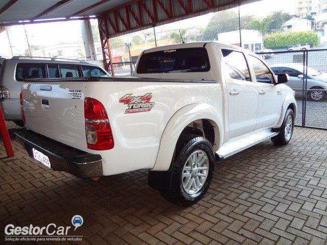 Toyota Hilux 3.0 TDI 4x4 CD SRV Top Auto - Foto #2