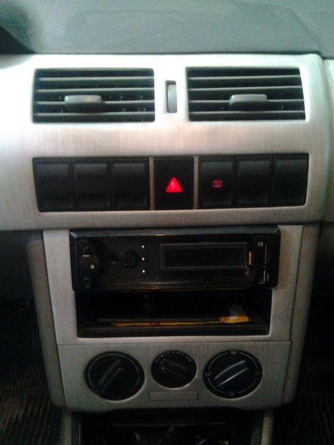Volkswagen Gol 1.0 MI 16V Série Ouro - Foto #5
