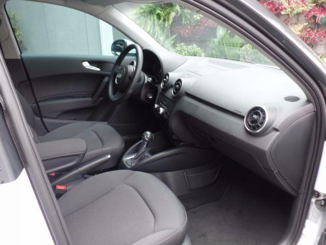 Audi A1 Sportback Attraction S-tronic 1.4 TFSI 16V - Foto #4