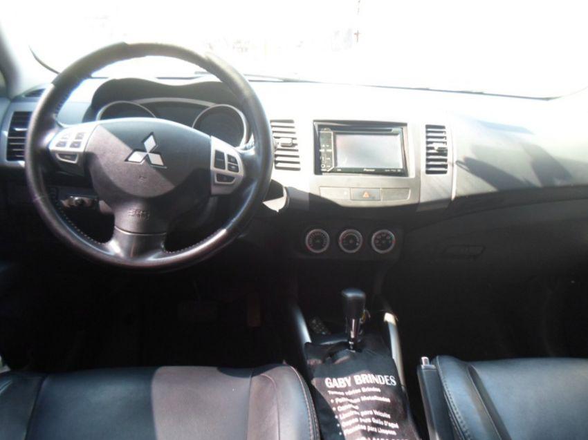 Mitsubishi Outlander 2.4 4x4 16v - Foto #8