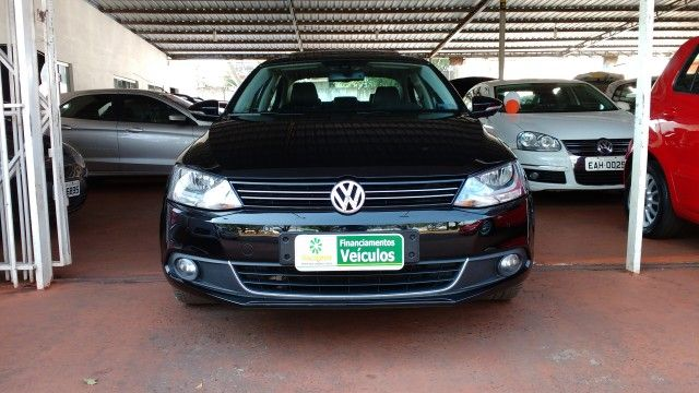 Volkswagen Jetta 2.0 TSI Highline DSG - Foto #1