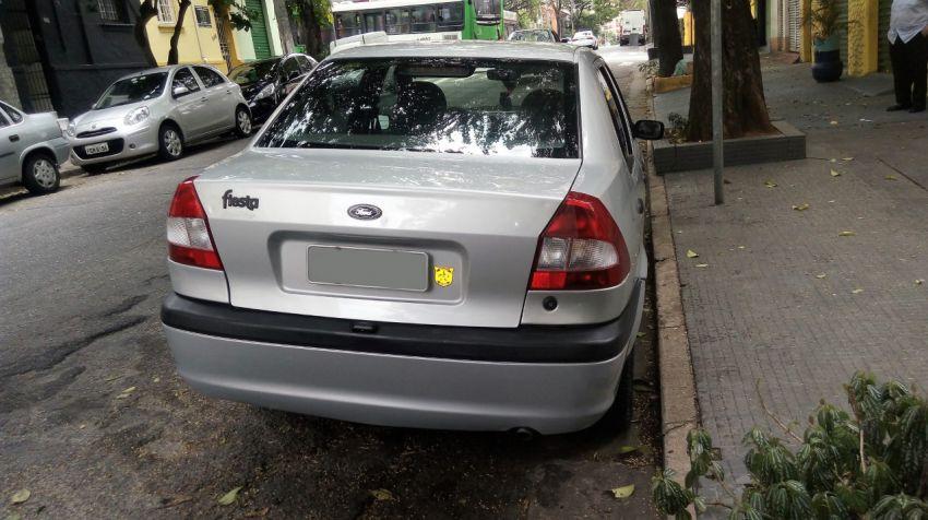 Ford Fiesta Sedan Street 1.0 MPi - Foto #4