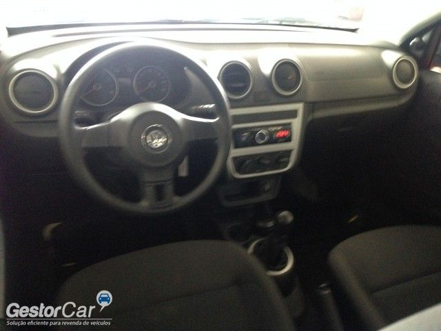 Volkswagen Voyage 1.6 VHT Trendline (Flex) - Foto #6