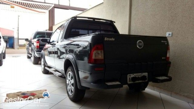 Fiat Strada Adventure 1.8 8V (Flex) (Cab Estendida) - Foto #2