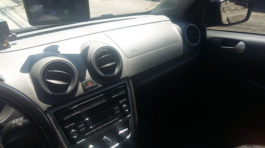 Volkswagen Voyage 1.0 TEC Comfortline (Flex) - Foto #4