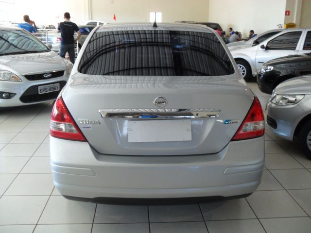 Nissan Tiida Sedan 1.8 16V (Flex) - Foto #10