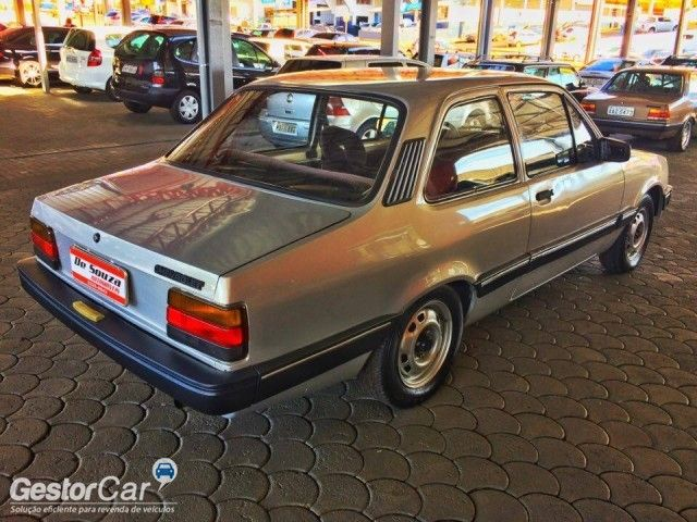 Chevrolet Chevette Sedan Junior 1.0 - Foto #8
