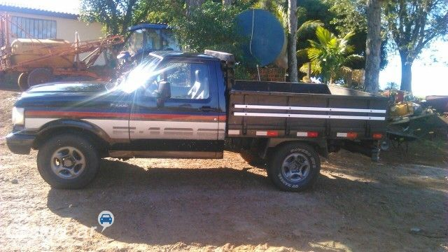 Ford F1000 Super Serie Turbo 4x2 3.9 (Cab Simples) - Foto #3