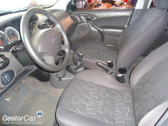 Ford Focus Hatch GL 1.6 8V (Flex) - Foto #3