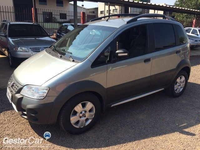 Fiat Idea Adventure 1.8 (Flex) - Foto #2