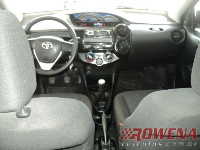 Toyota Etios Sedan X 1.5 16V Flex - Foto #6