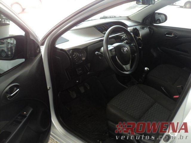 Toyota Etios Sedan X 1.5 16V Flex - Foto #7
