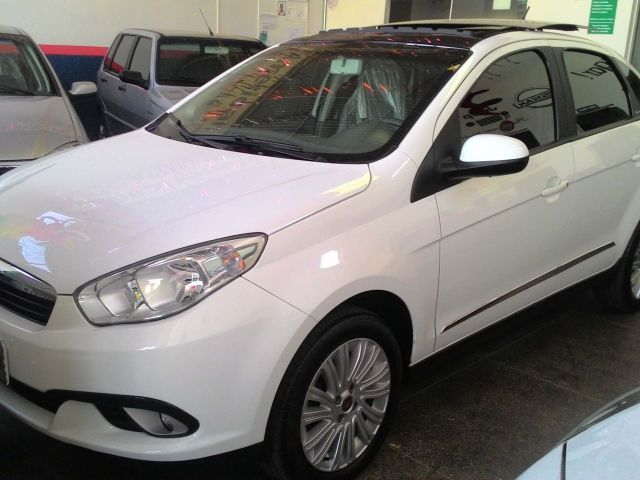 Fiat Grand Siena Essence 1.6 16V (Flex) - Foto #1