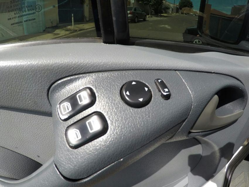 Mercedes-Benz Sprinter 313 CDI 2.2 Van (16 lug.) (teto alto) - Foto #10
