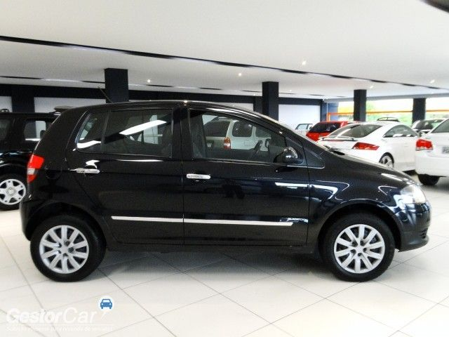 Volkswagen Fox Black 1.0 8V (Flex) 4p - Foto #4
