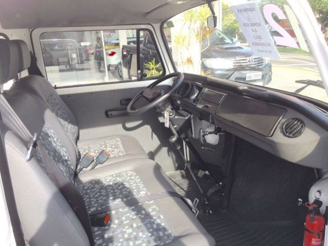Volkswagen Kombi Standard 1.4 Mi 8V Total Flex - Foto #10