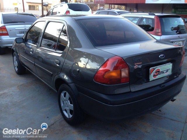 Ford Fiesta Sedan Street 1.6 MPi - Foto #4