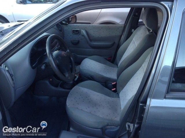 Ford Fiesta Sedan Street 1.6 MPi - Foto #5