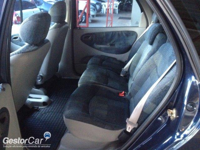 Ford Fiesta Sedan Street 1.6 MPi - Foto #6