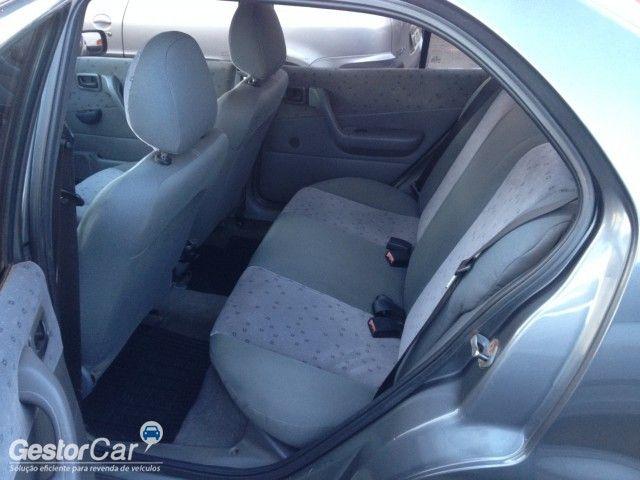Ford Fiesta Sedan Street 1.6 MPi - Foto #8