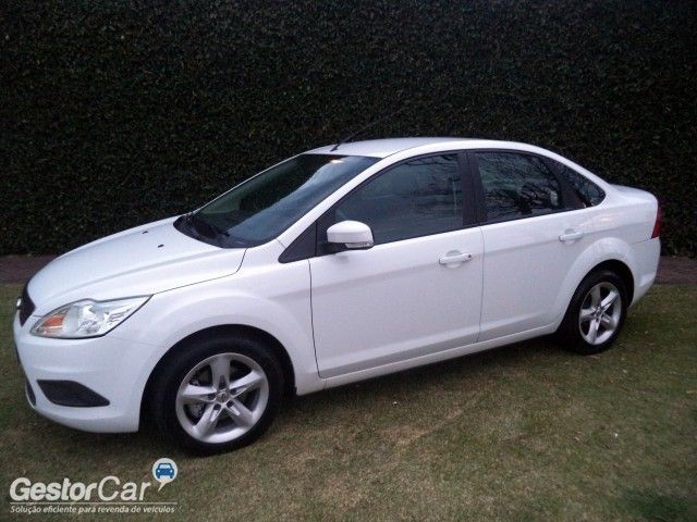 Ford Focus Sedan 1.6 16V (Flex) - Foto #5