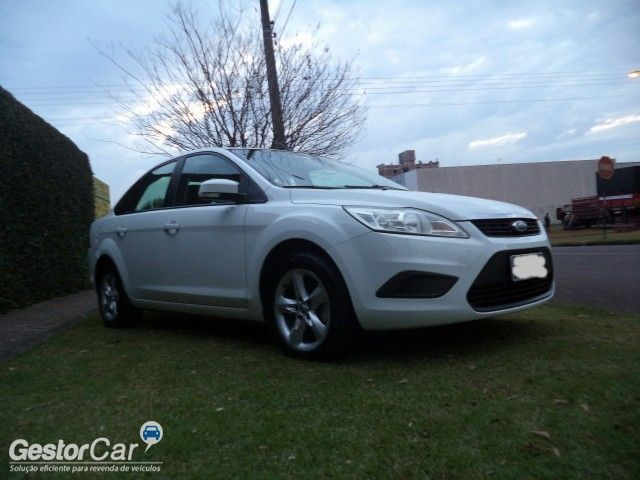 Ford Focus Sedan 1.6 16V (Flex) - Foto #10