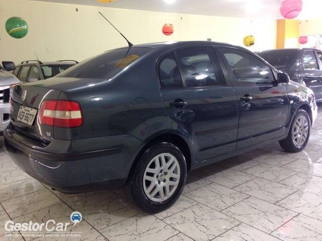 Volkswagen Polo Sedan 1.6 8V - Foto #5