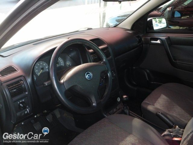 Chevrolet Astra Sedan Comfort 2.0 (Flex) - Foto #5