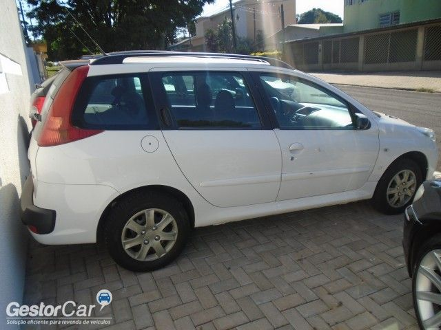 Peugeot 207 SW XR 1.4 8V (flex) - Foto #5