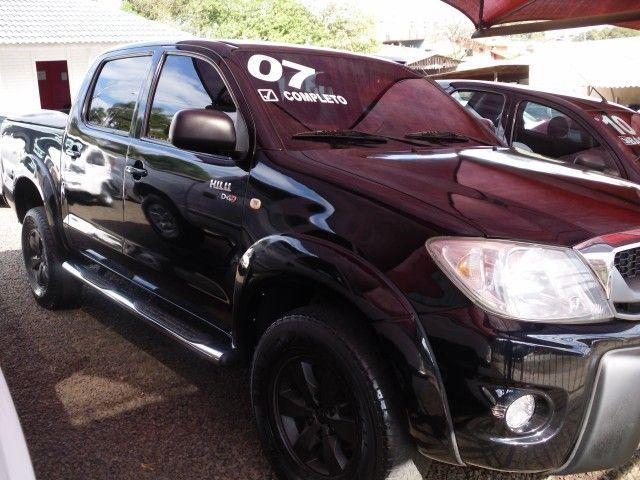 Toyota Hilux STD 4x2 2.5 (cab. dupla) - Foto #1