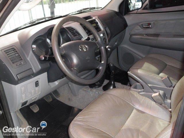 Toyota Hilux STD 4x2 2.5 (cab. dupla) - Foto #5