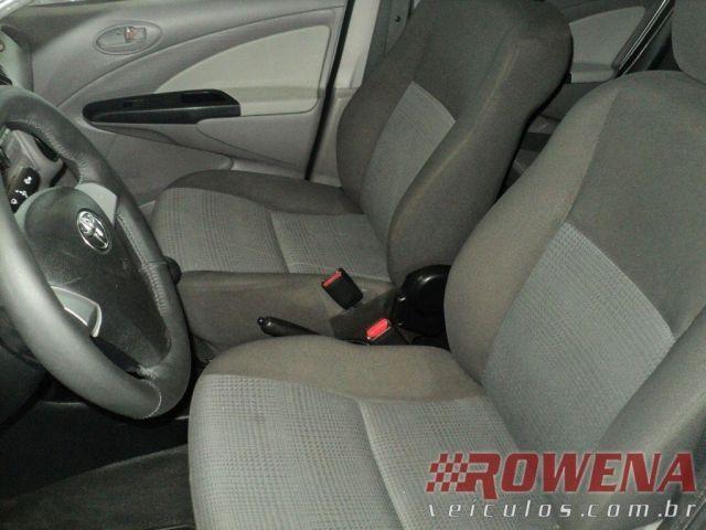 Toyota Etios Sedan XS 1.5 16V Flex - Foto #6