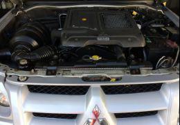 Mitsubishi Pajero Sport 2.5 HD 4X4