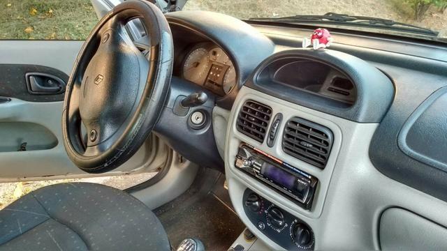 Renault Clio Hatch. Air 1.6 16V (flex) - Foto #2