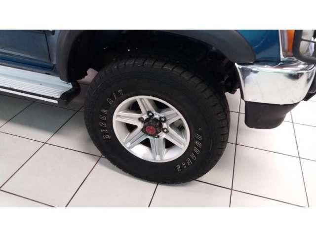 Toyota Hilux SR5 4x4 2.8 (cab. dupla) - Foto #3