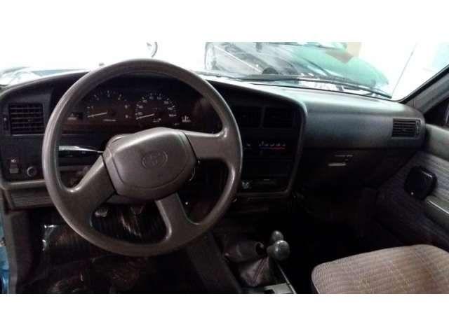 Toyota Hilux SR5 4x4 2.8 (cab. dupla) - Foto #6