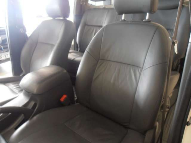 Toyota Hilux 3.0 TDI 4x4 CD SR Auto - Foto #8