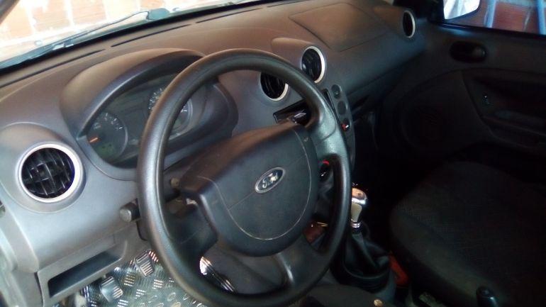 Ford Fiesta Sedan 1.0 - Foto #3
