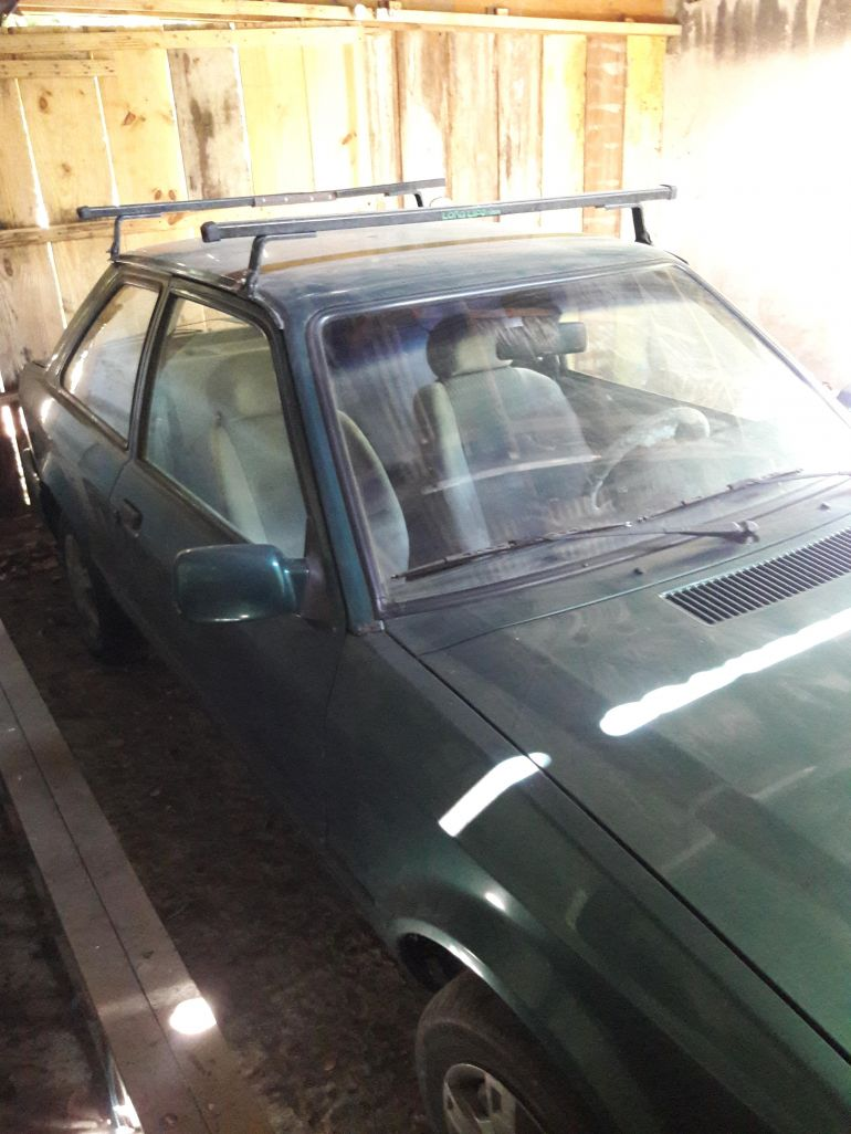 Ford Escort Hatch Hobby 1.0 - Foto #4
