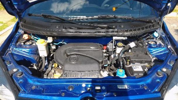 Fiat Uno Sporting Dualogic 1.4 (Flex) - Foto #6